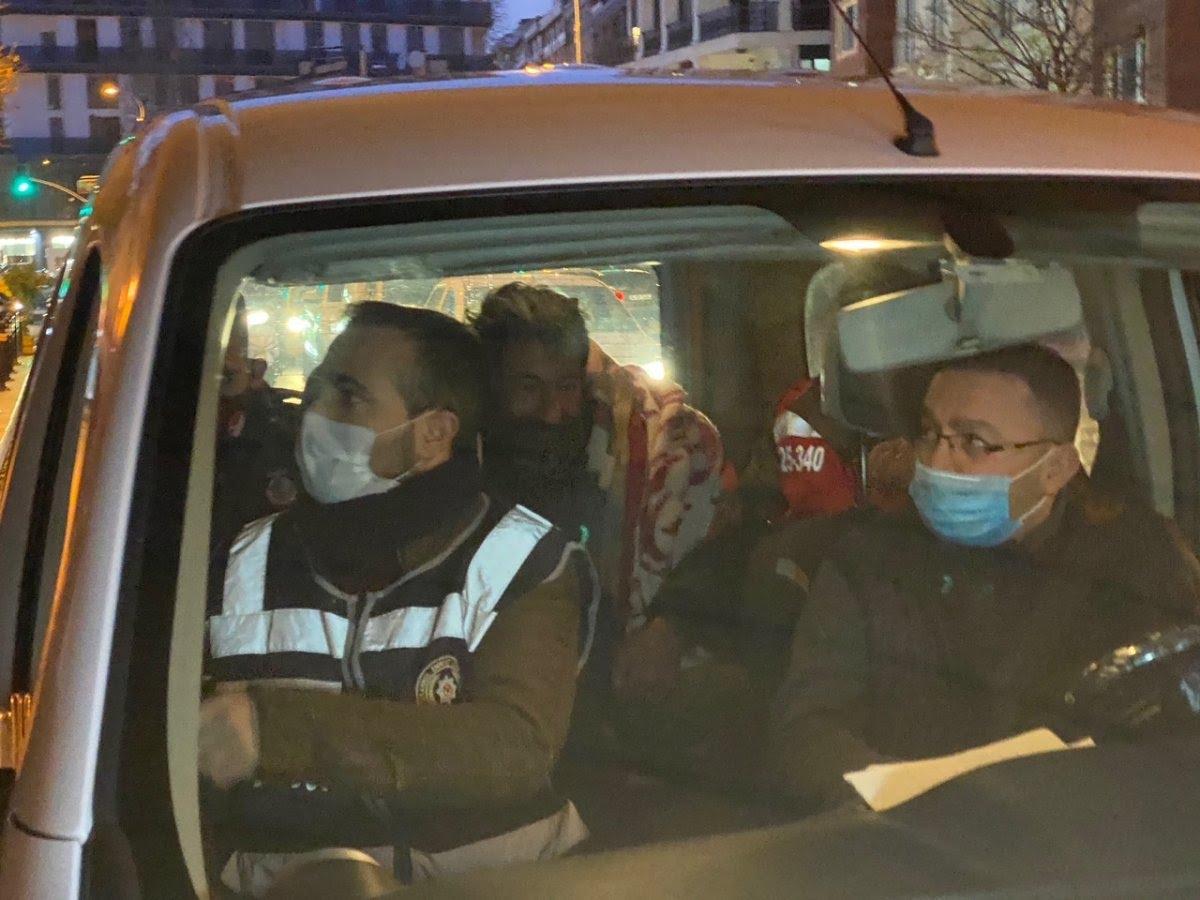 Maltepe'de sokakta kalan vatandaş günler süren ikna çabalarıyla otele yerleştirildi #7